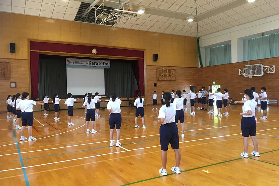 千葉県の長生中学校で空手道体験授業を実施