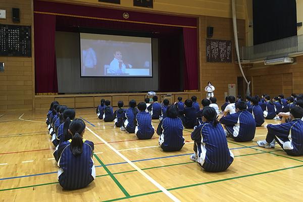 写真:志村第三中学校 空手道体験授業の模様1