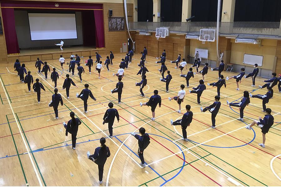 東京都・志村第三中学校で空手道体験授業を実施